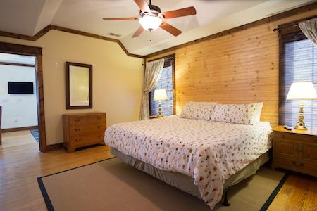 TR Cottage King Bedroom 2.jpeg