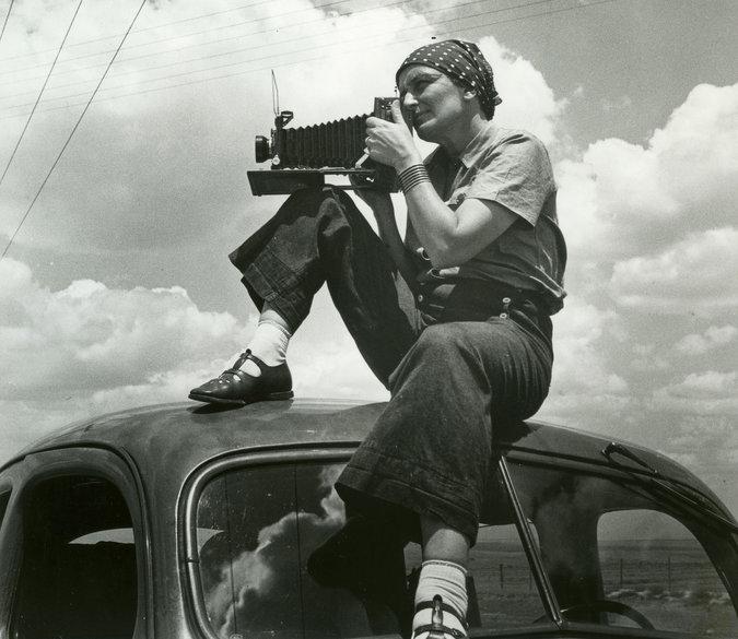 Dorothea Lange, 1930s. Photo credit Paul Schuster Taylor. © Rondal Partridge Archive.