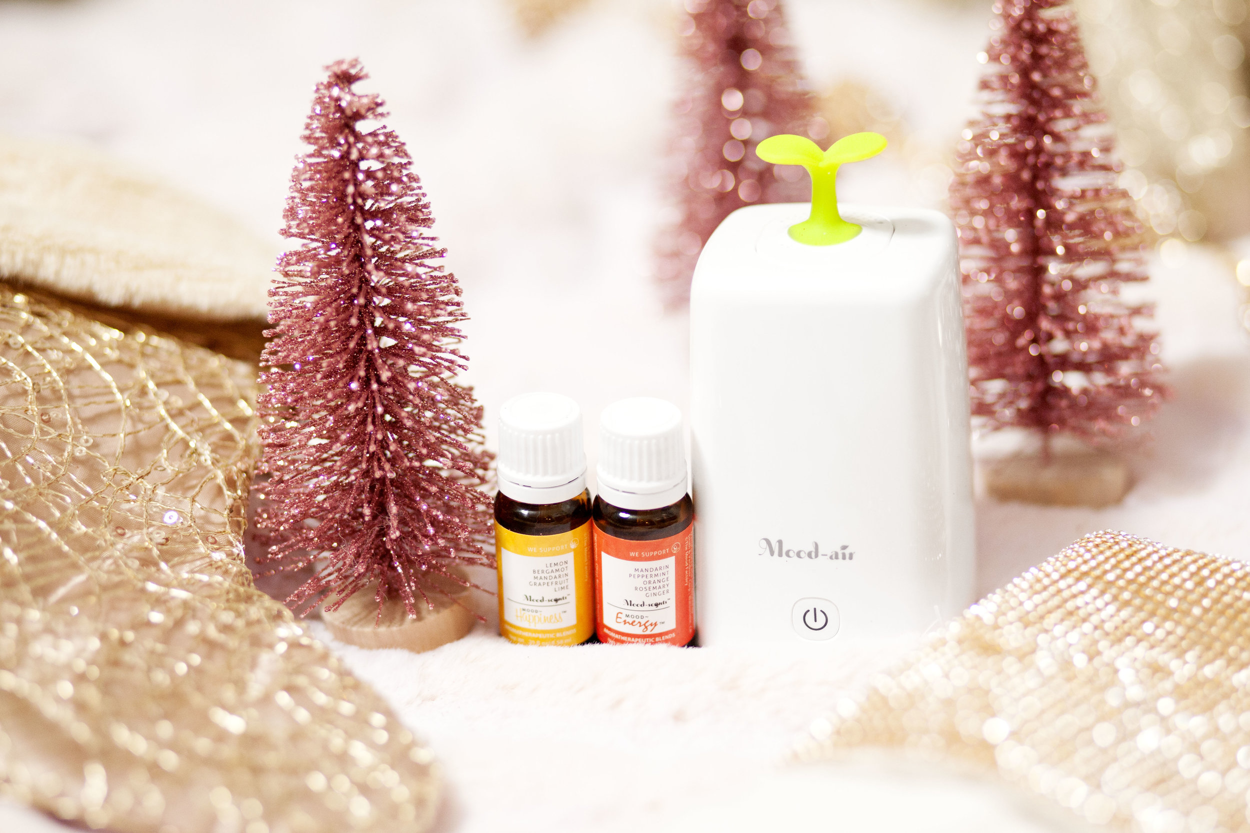 The Mood Factory Air Aromatherapy Mini Diffuser - The Gilded Bellini Holiday Gift Guide