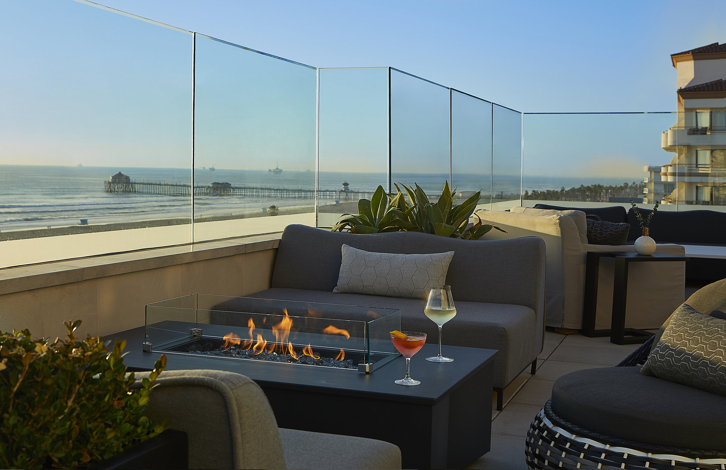 Offshore 9 Rooftop Lounge