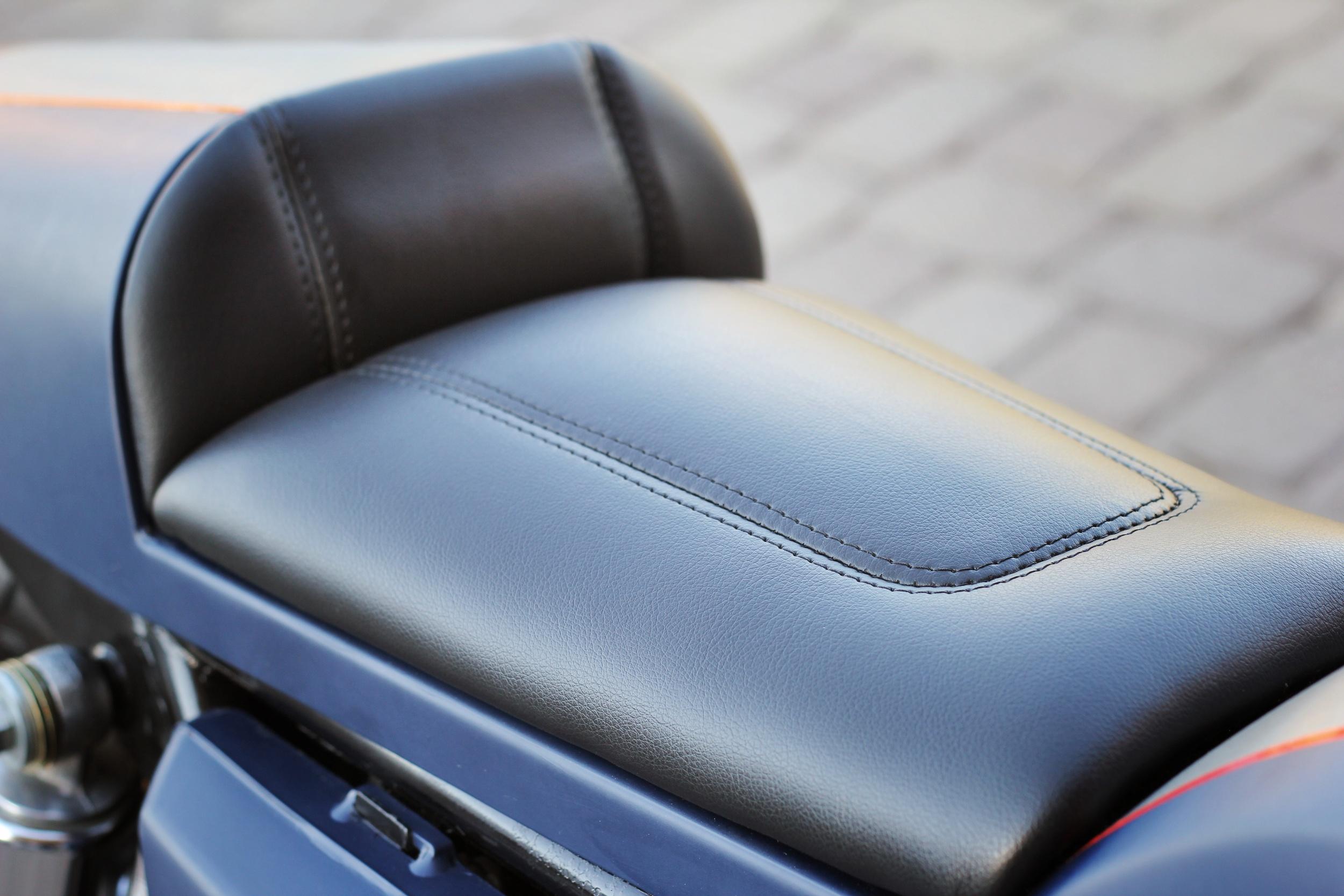 kz400_cafe_seat2.JPG