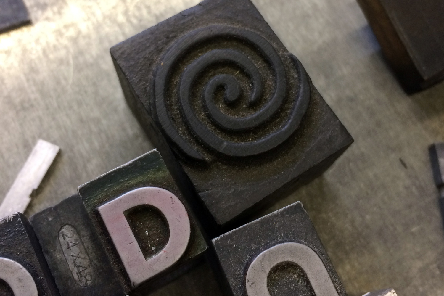 Letterpress Workshop at The Type Archive: Wood and metal type.