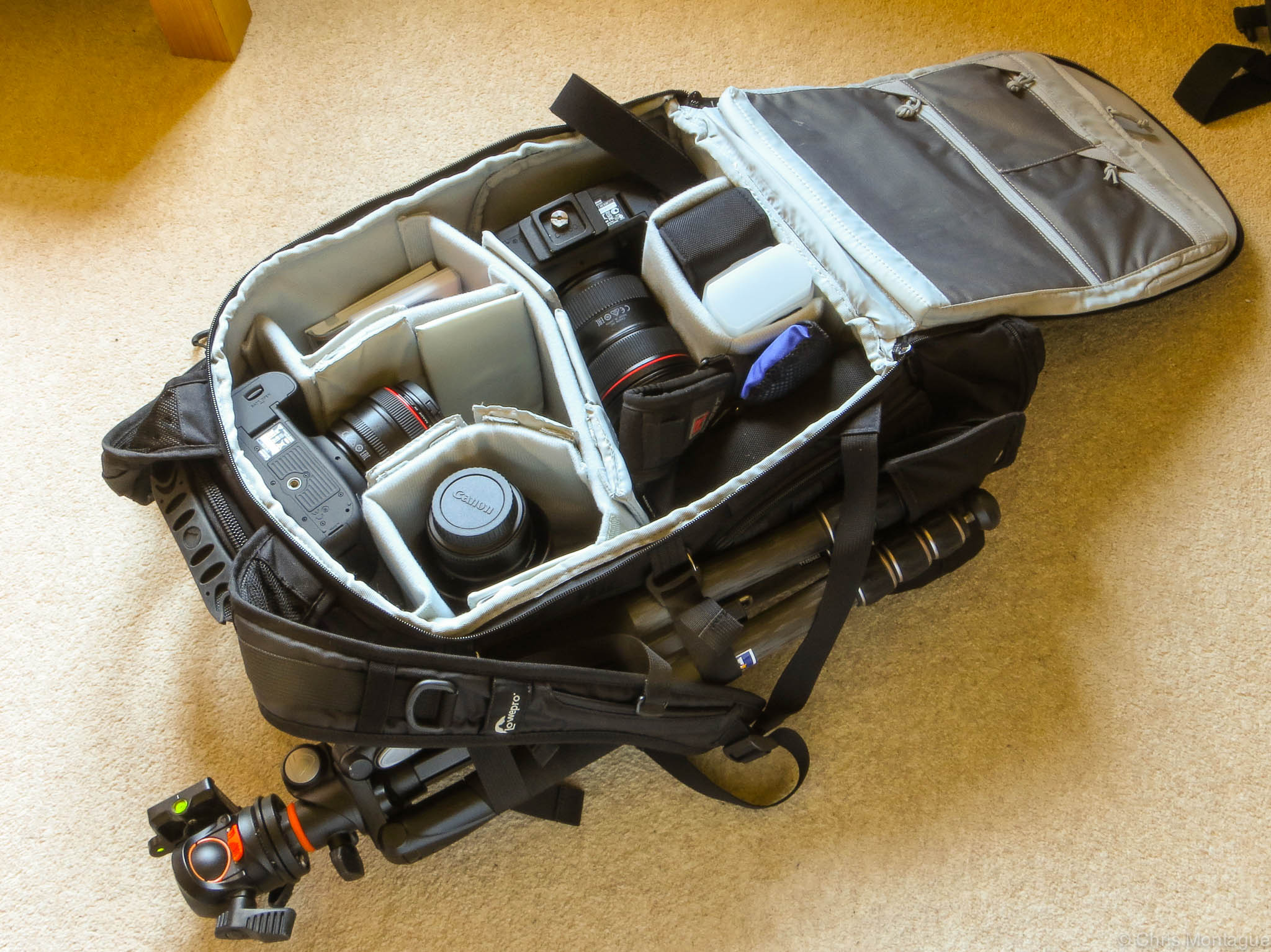 Figure 2: How I configure my bag for wedding photography. Main camera in the side pocket, with a backup 5D MKIII in the top loader section. Only difference is instead of 24-70mm f2.8L II, the 70-200mm f2.8L II would normally be on my main camera, but it's currently being loaned out.