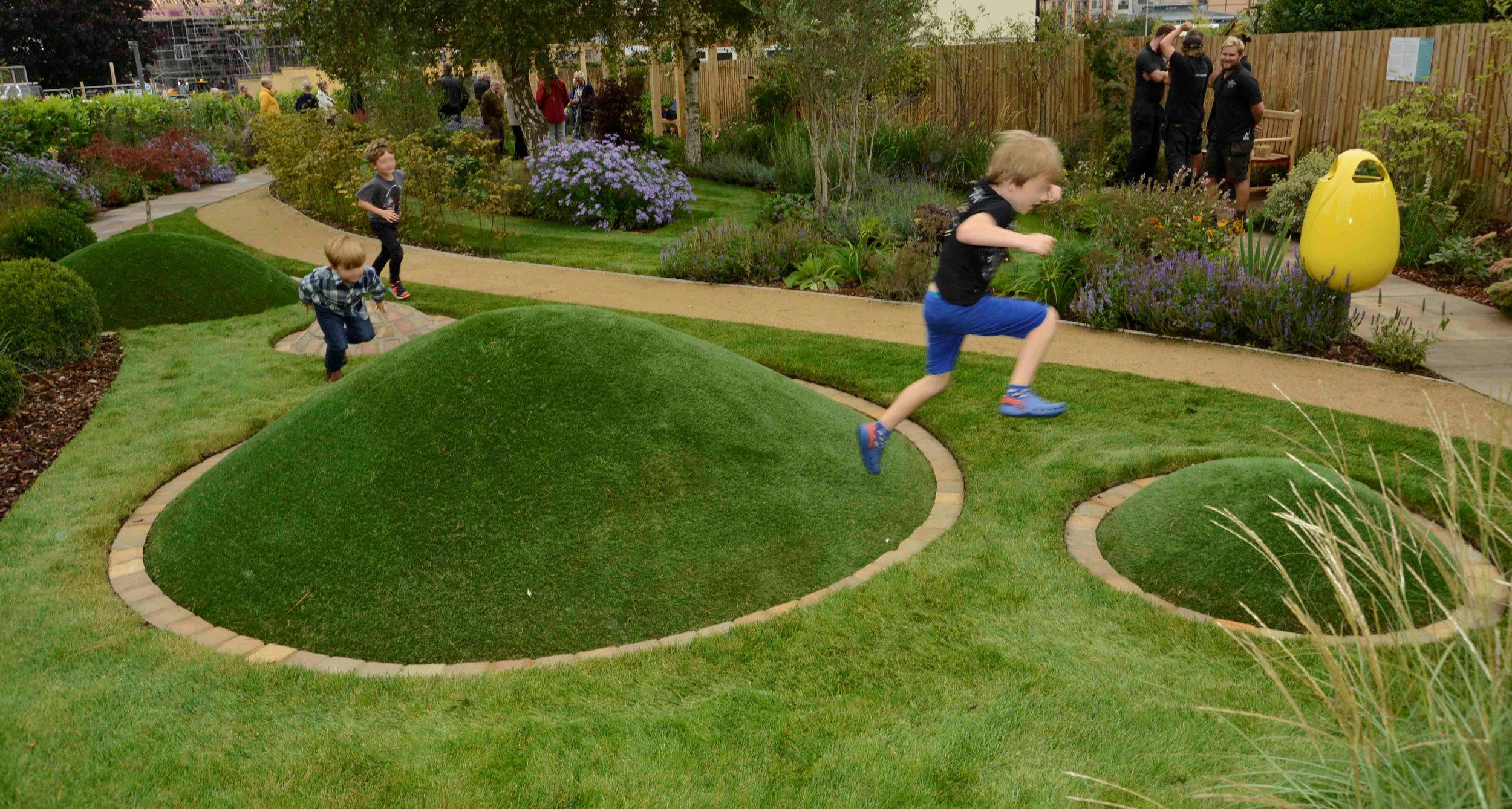 Girton Sensory Garden 5.jpg