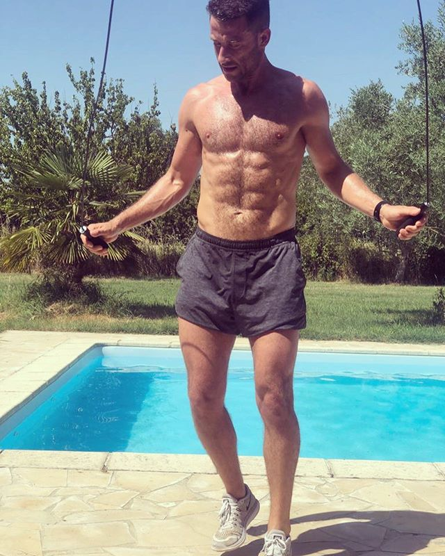 Amazing start to a long weekend in the south of France with @jarwoody Worked up a right old sweat with nothing more than a skipping rope and 20 minutes.* * 200 skips 20 squat jumps  200 skips  10 plank press ups  5 rounds  #dripping