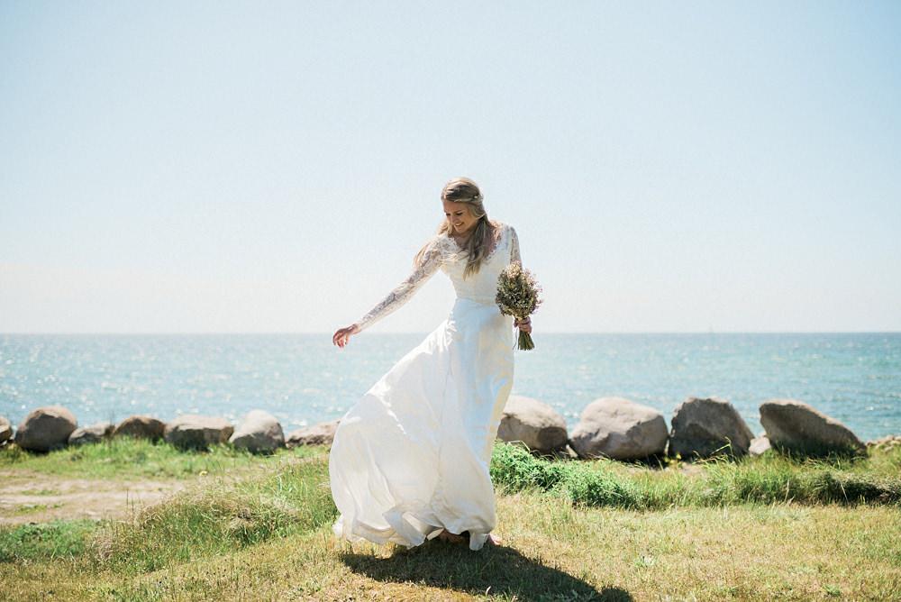 Bohemiskt bröllop i rustik lada