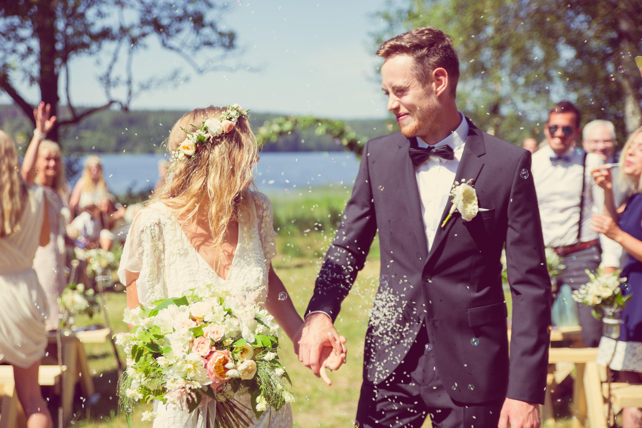 Somrigt lantbröllop: Josefin och Karl