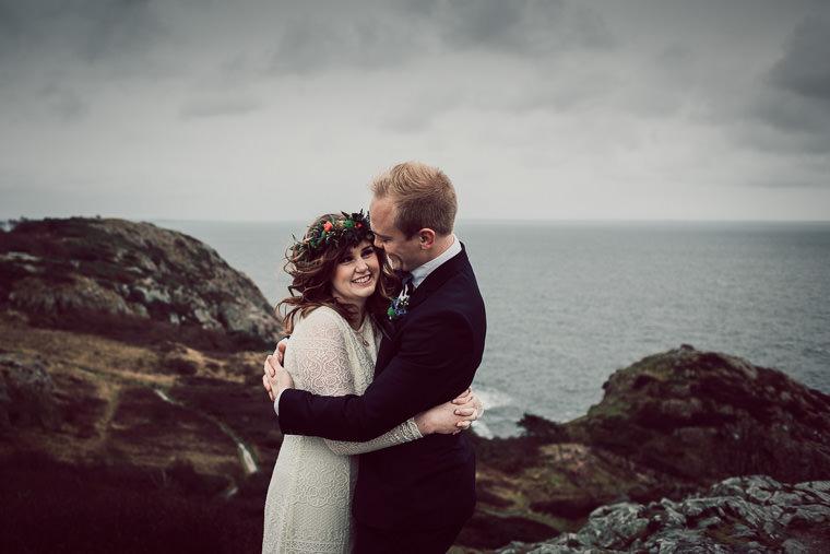 Kraftfullt novemberbröllop