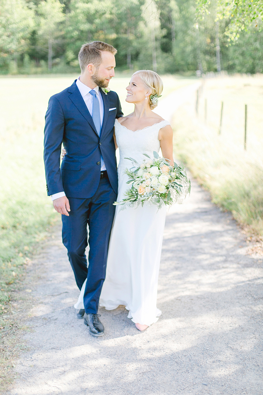 rebeccahansson.com-wedding-Elin-and-Peder-august-13th-2016-(231).jpg