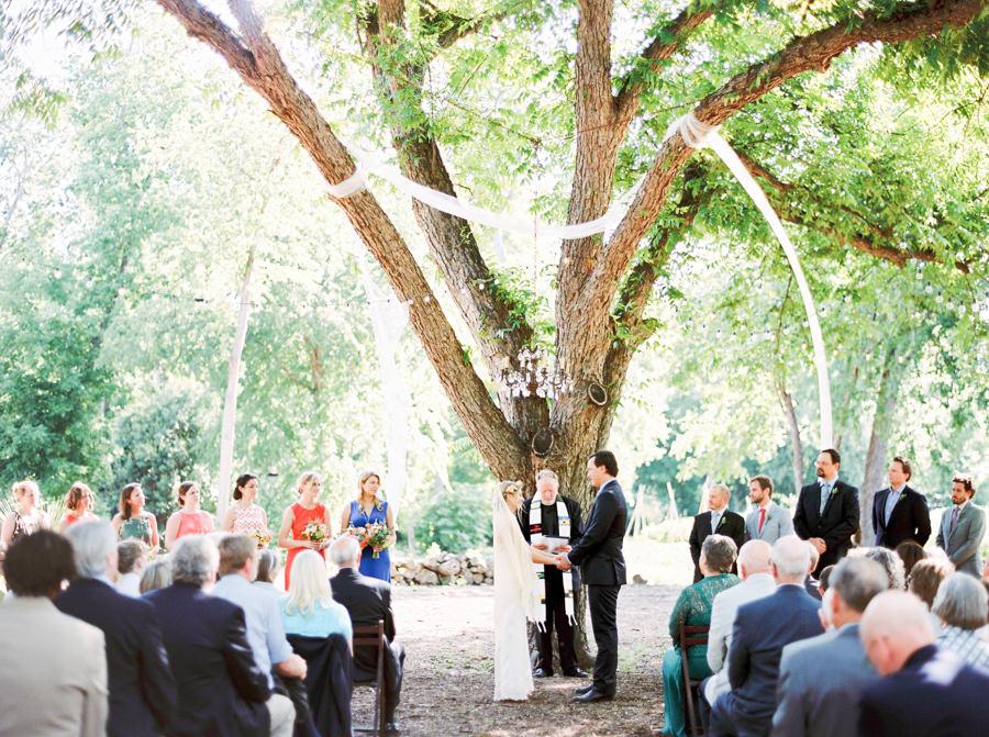 marionhphotography-cullen-wilson-wedding_spring_dale_farm_austin-WEB-123.jpg
