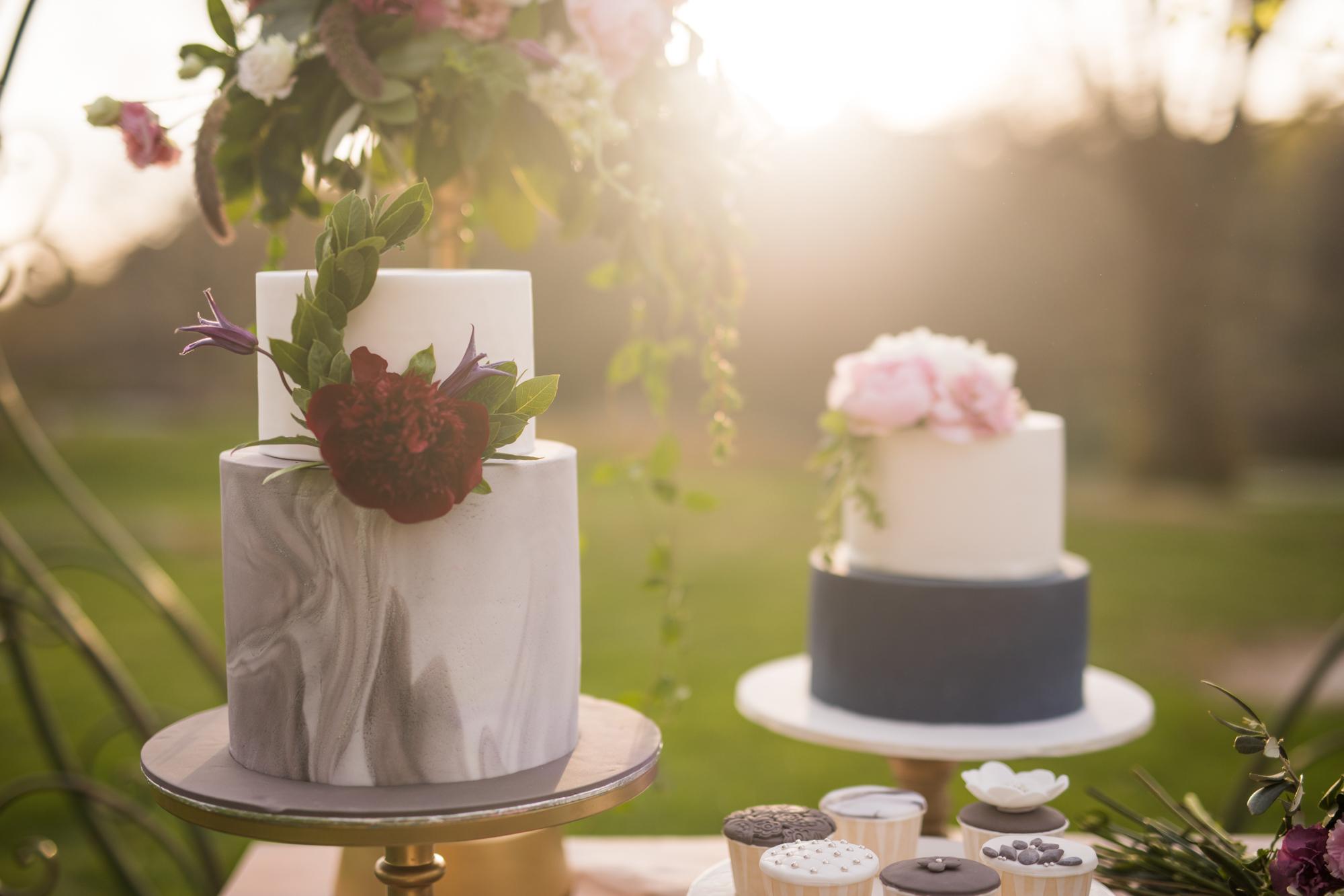 bröllop+tårta+florist+bakverk