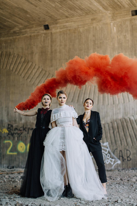 bröllop+brudklänning+brudtärnor