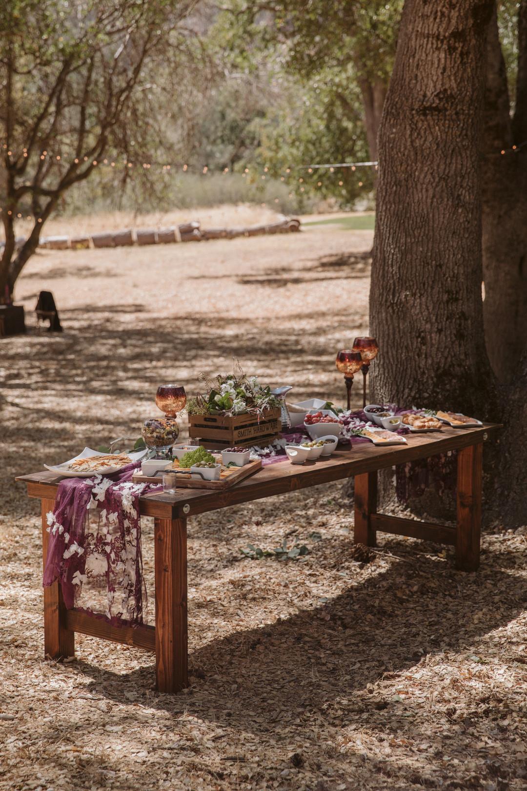 bröllop+moody+dukning+bakelse