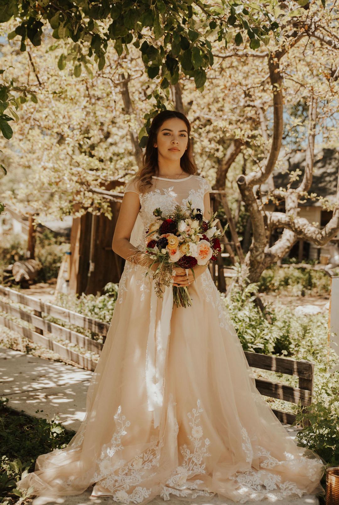 bröllop+romantiskt+lantligt+klänning