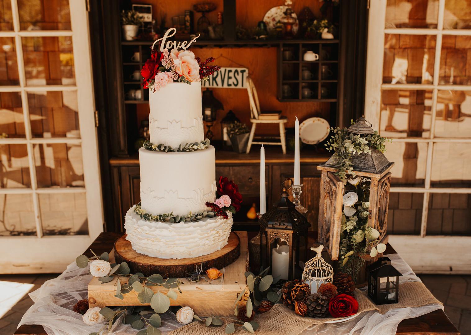 bröllop+romantiskt+lantligt+tårta