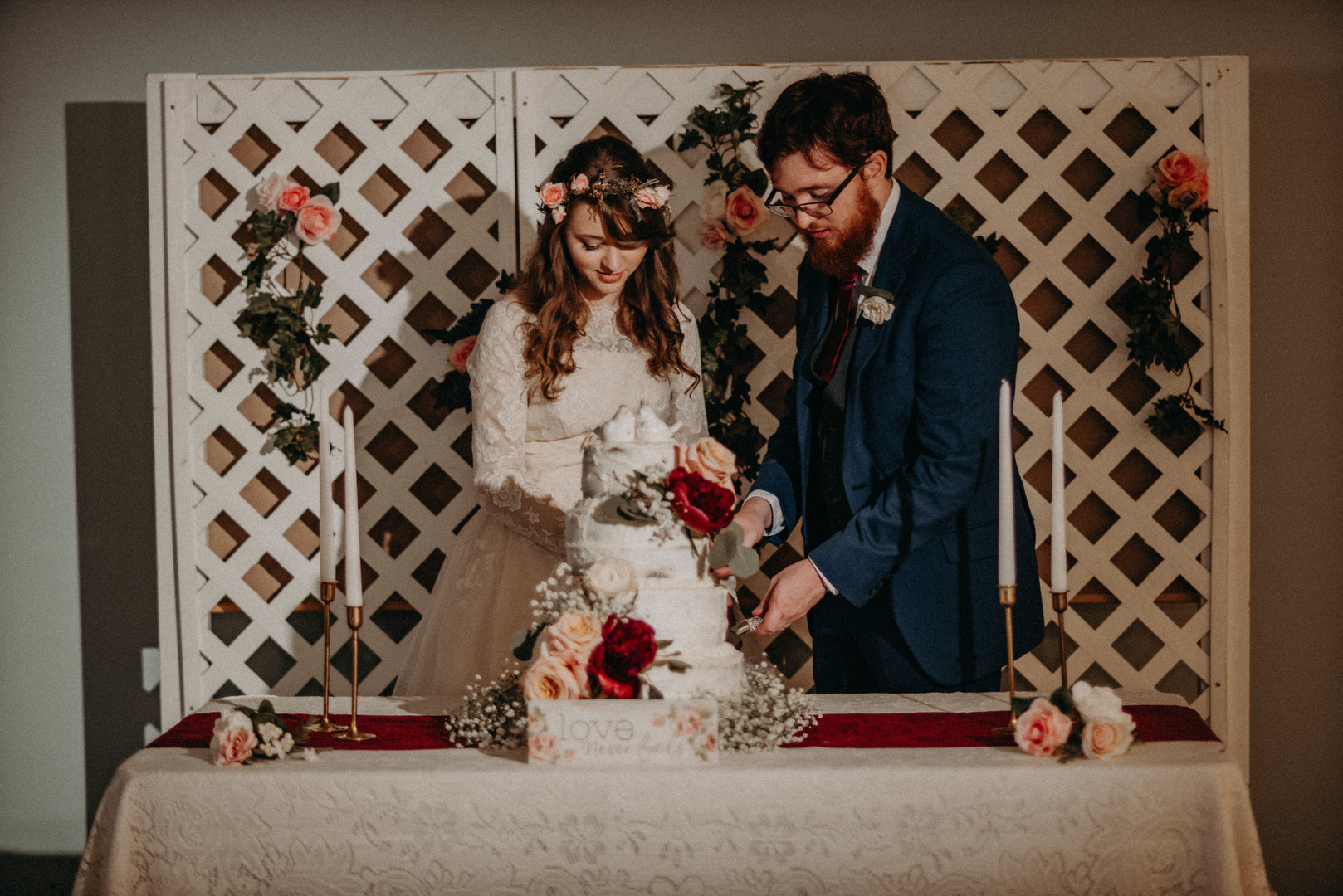 bröllop+vintage+brudklänning+tårta