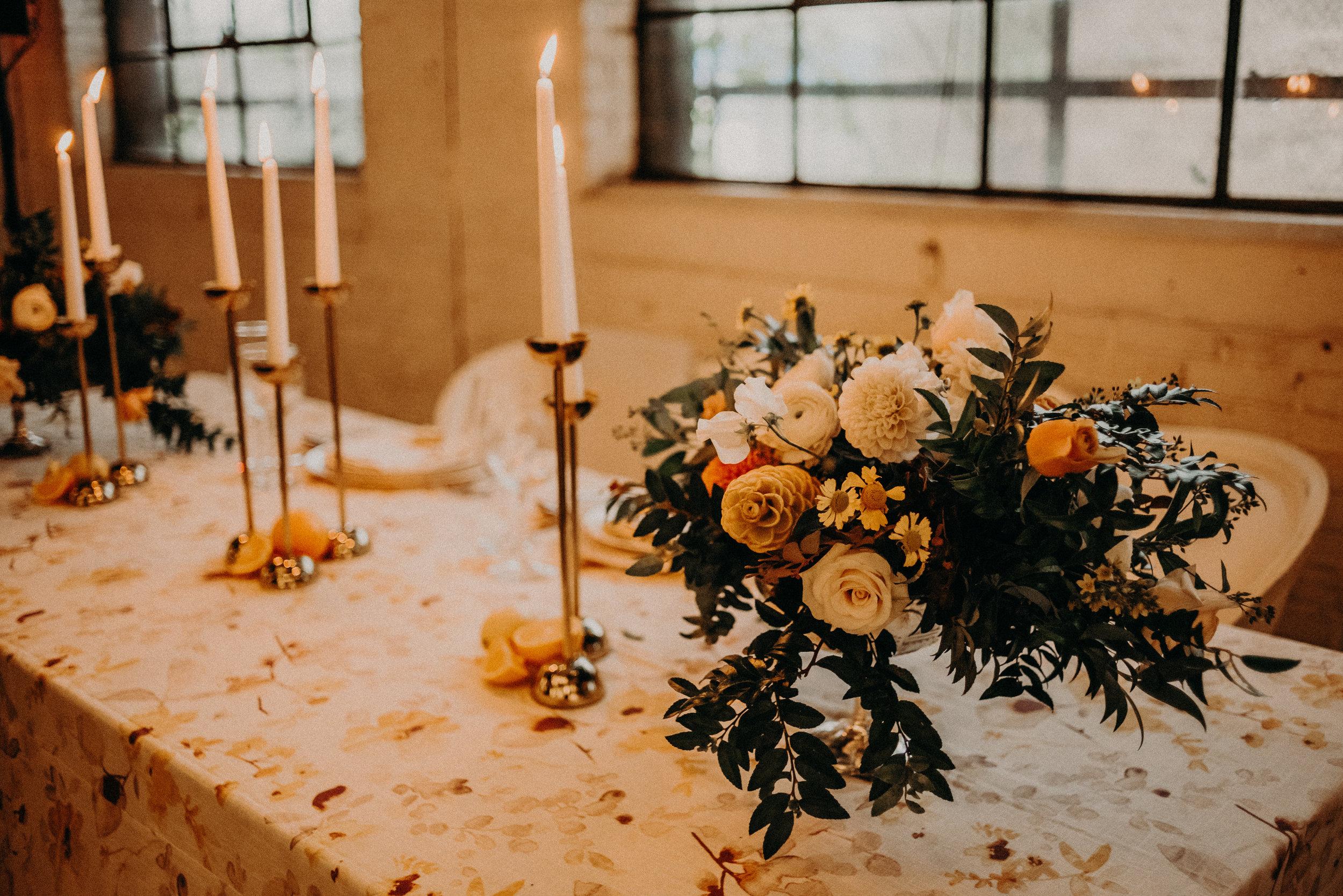 bröllop+vintage+dukning+brudbukett