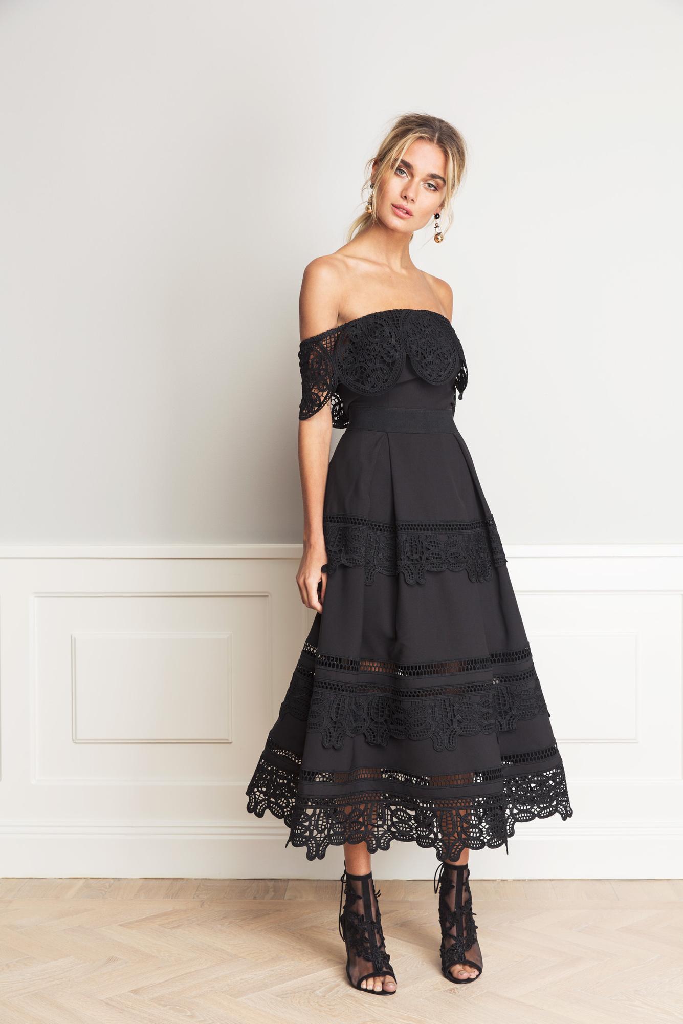 Svart klänning , By Malina