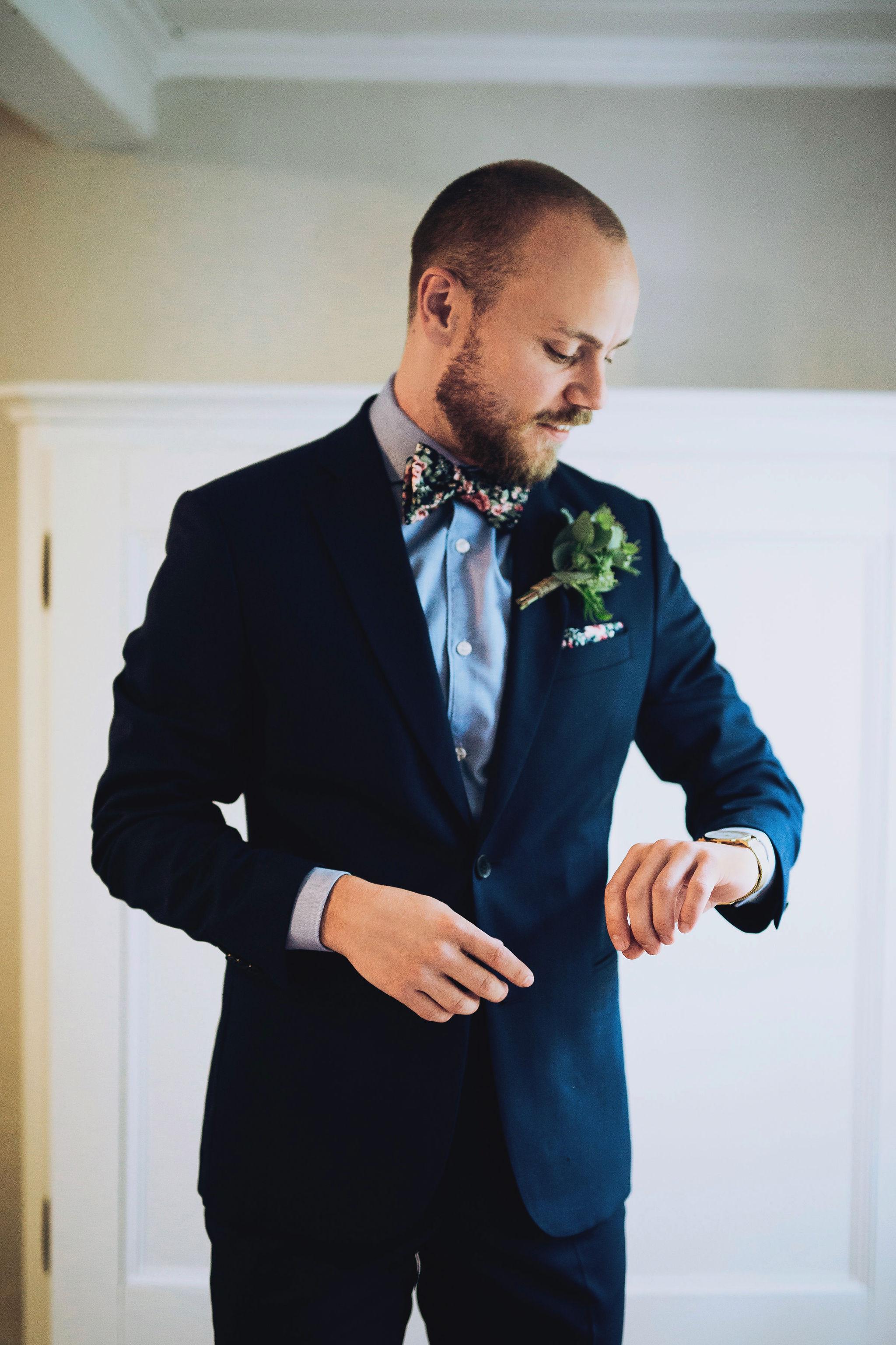 brudgum+förberedseler+bröllop