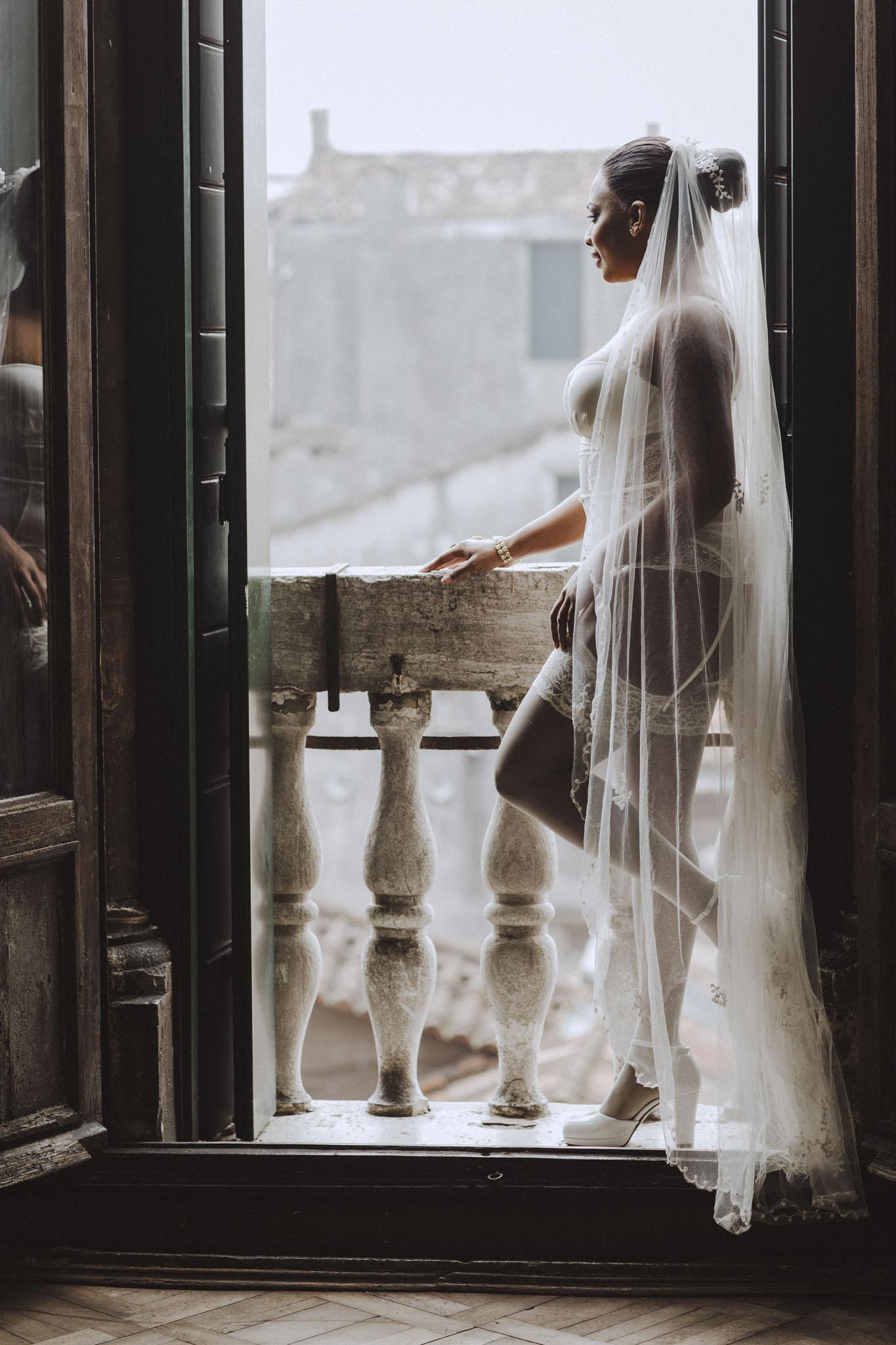 Boudoirfotografering bröllop