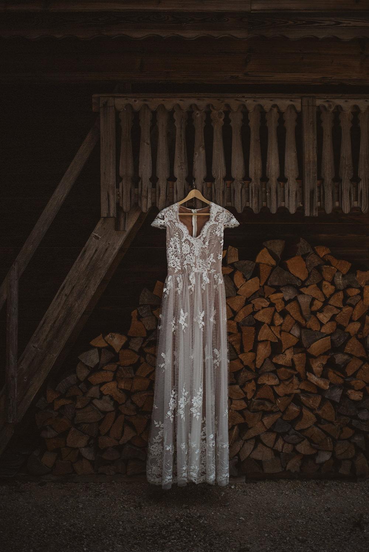 brudklänning i spets