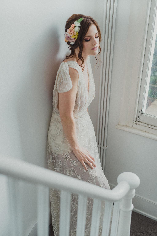 Brudklänning + blomsterkrans