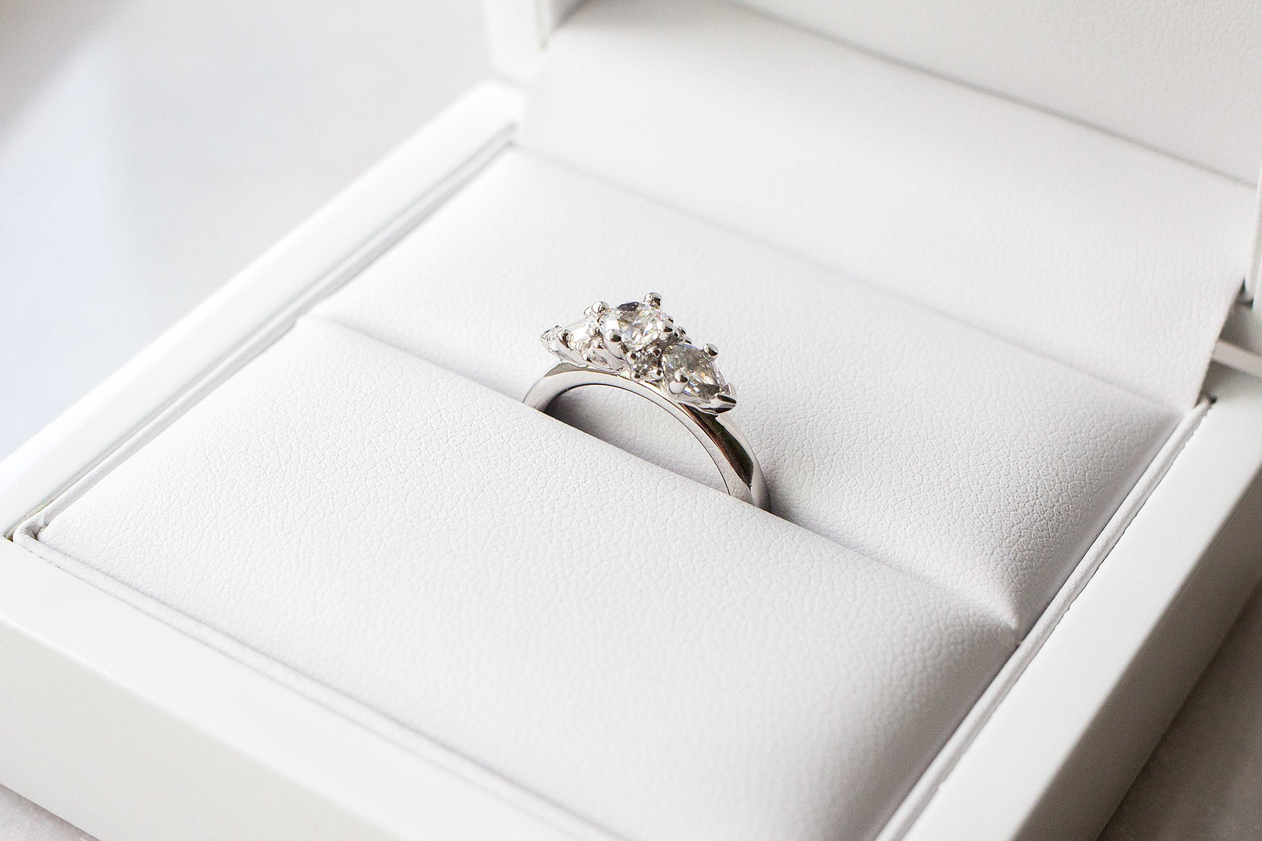 Ring: Ferry H