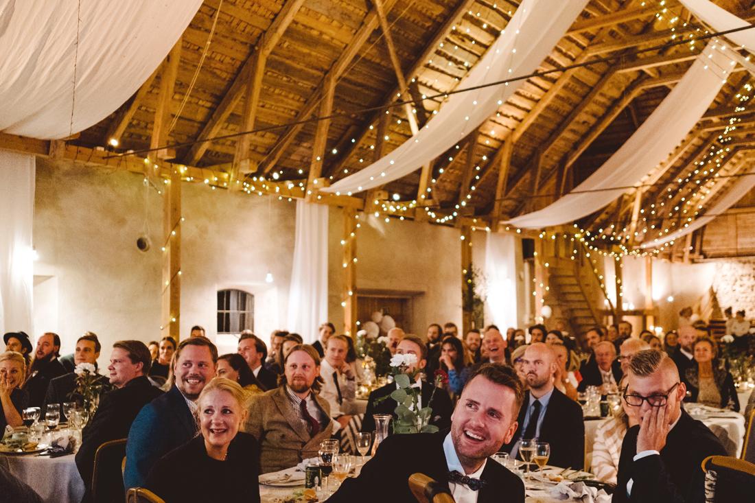 festlokal bröllop lantlig lada