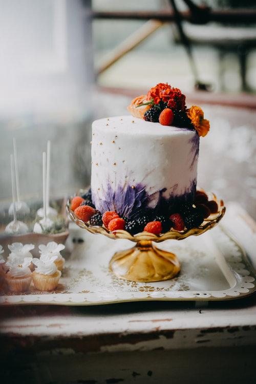 Fotograf:  Le Moment Capturer . Tårta: 874 Cake Studio.