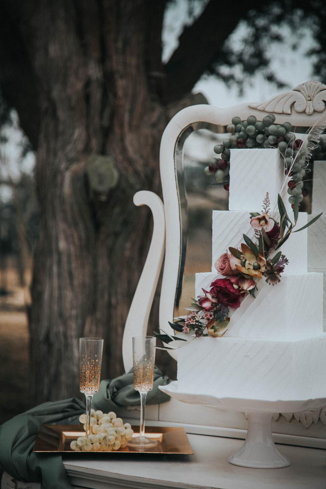 Fotograf:  K-Ruiz Photography . Bakverk: Sweet Treats Bakery.