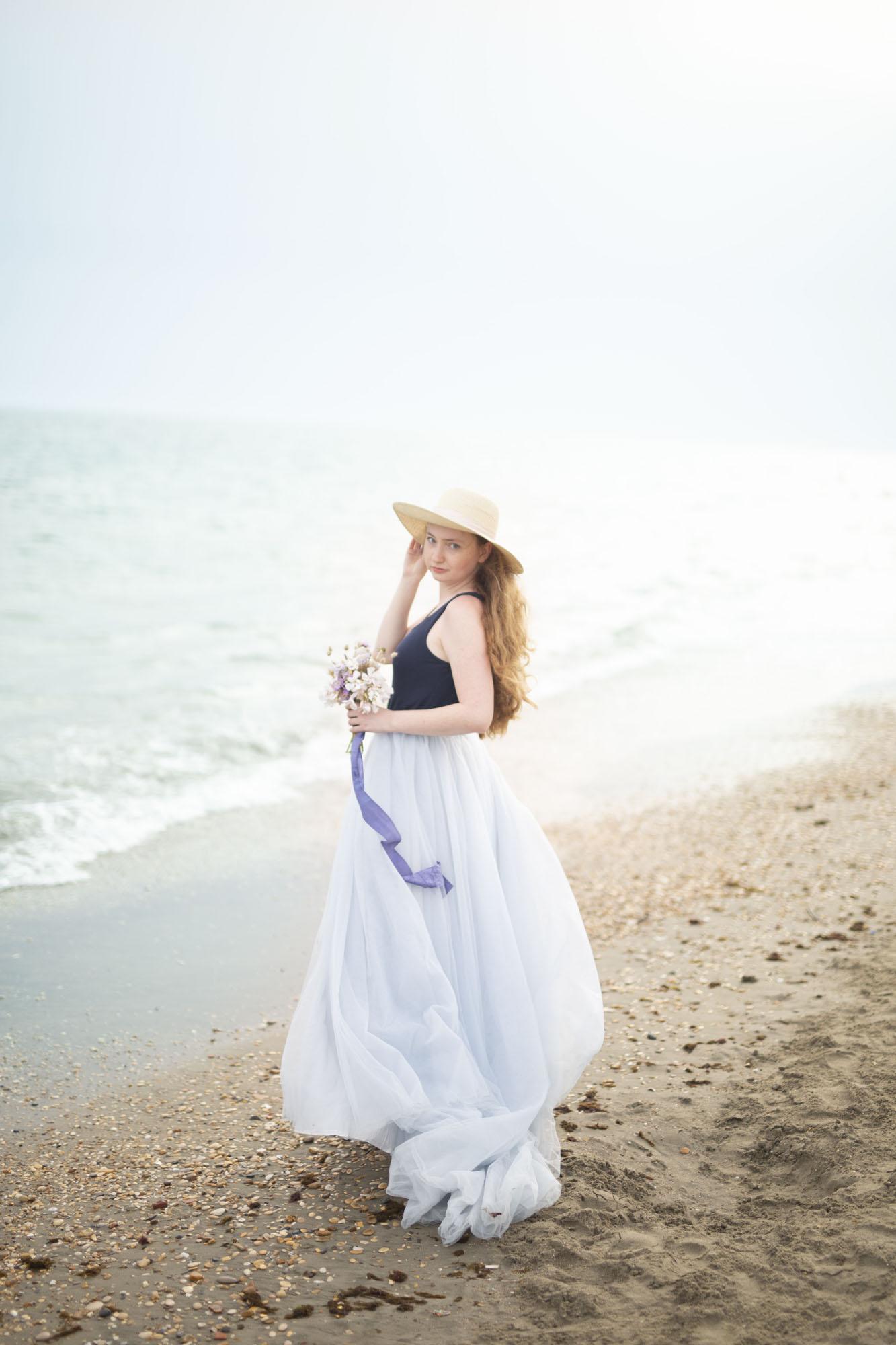 ljusblå tyllkjol ellen marie bridal