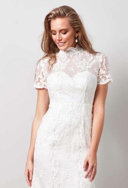 Brudklänning i spets , By Malina