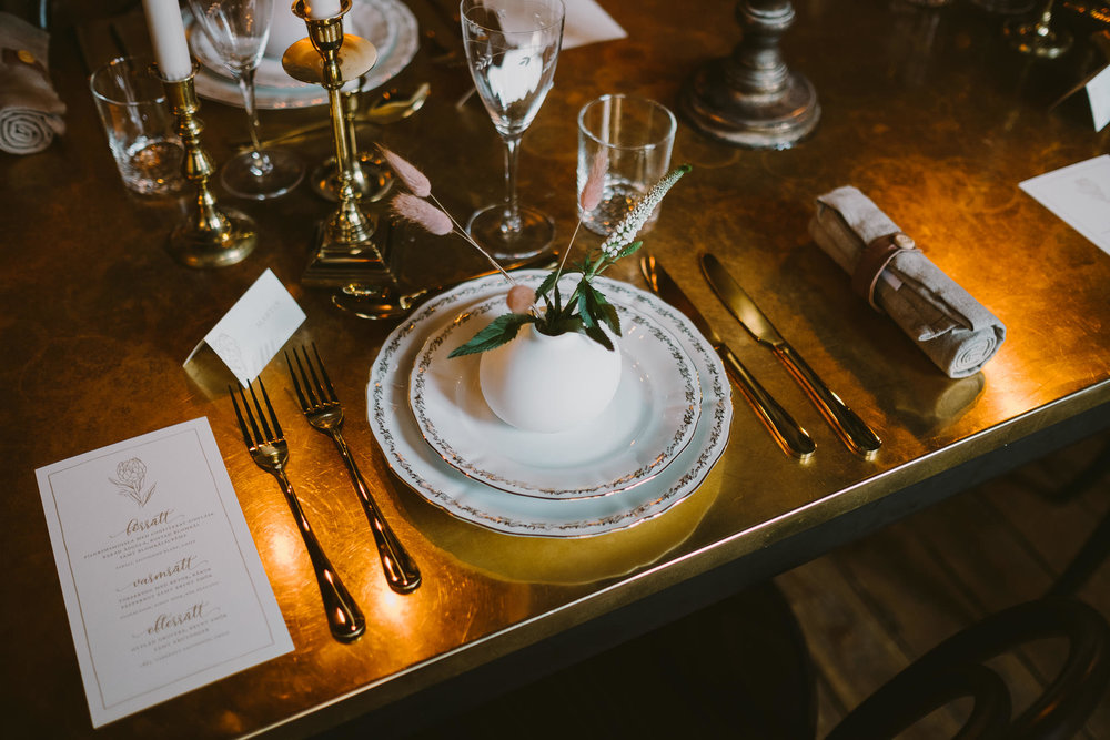 Photo:  Mathias Cederholm Photography  &  Hasselströms  / Table setting:  Märkbara bröllop & Tillfällen