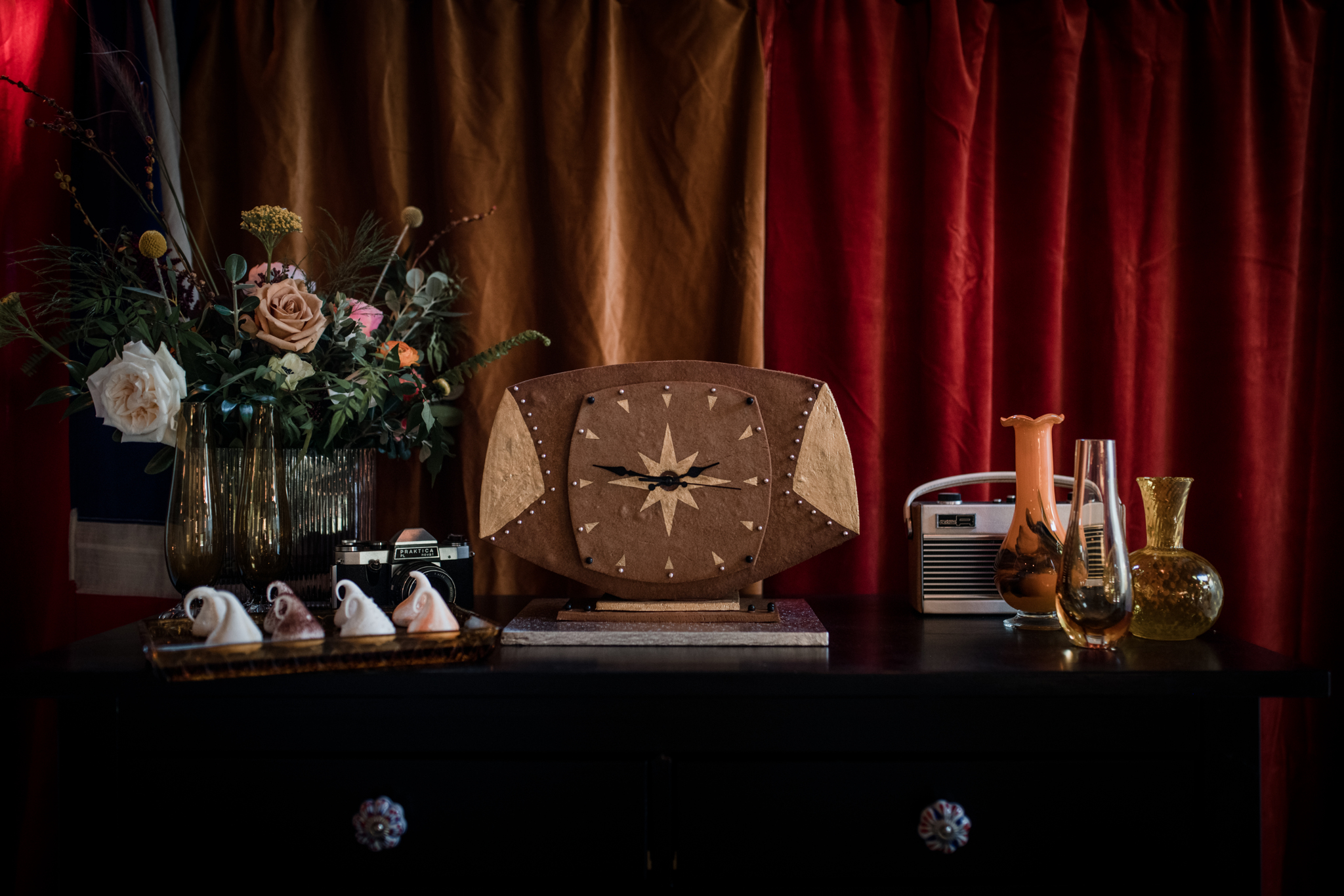 GINGERBREAD MANTEL CLOCK  Created as the dessert table centrepiece for a styled mid-century/70s themed photoshoot. (Photo credit:  Laura Martha )