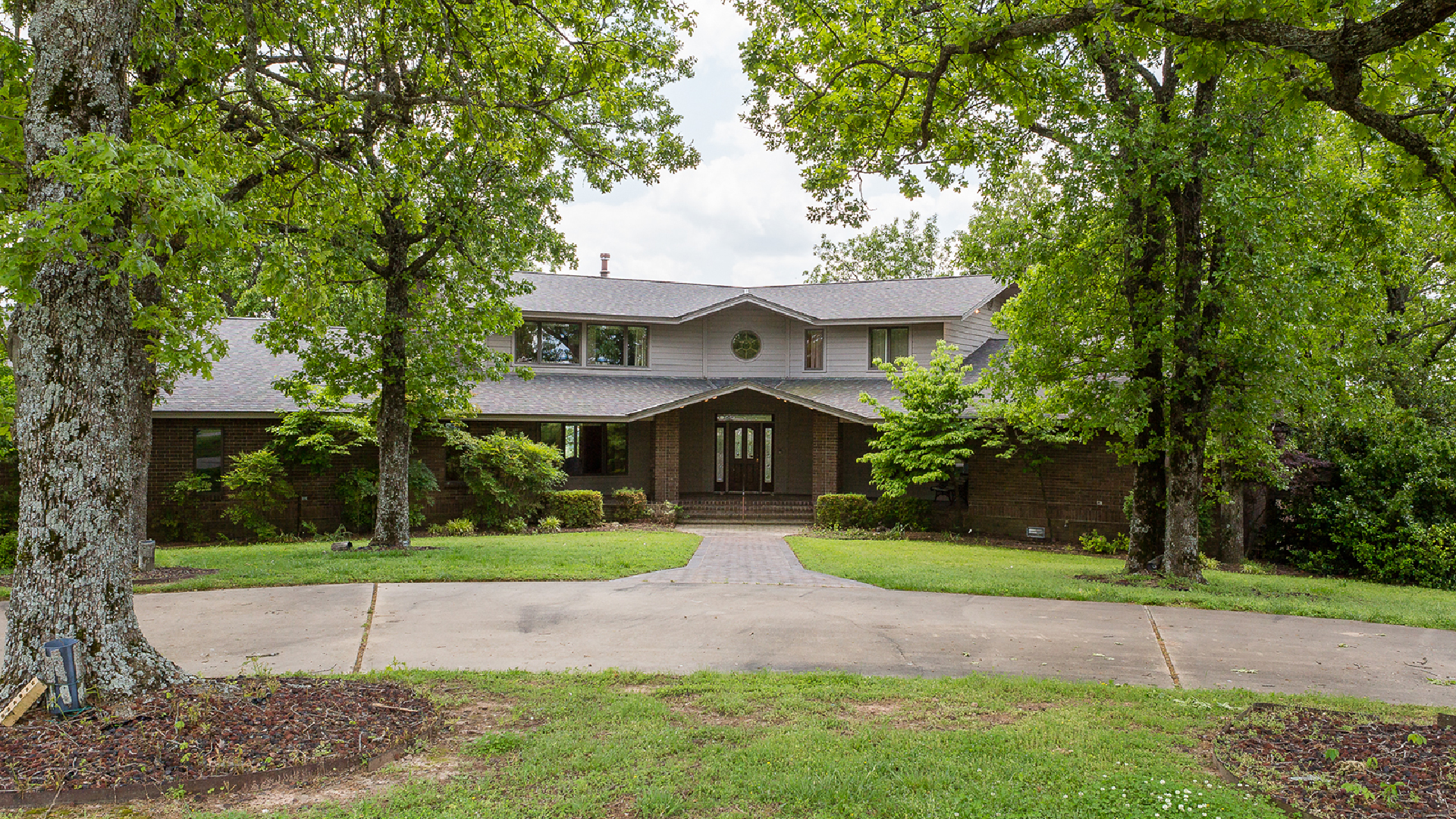 109 Woodcliff - Click here for virtual reality tour
