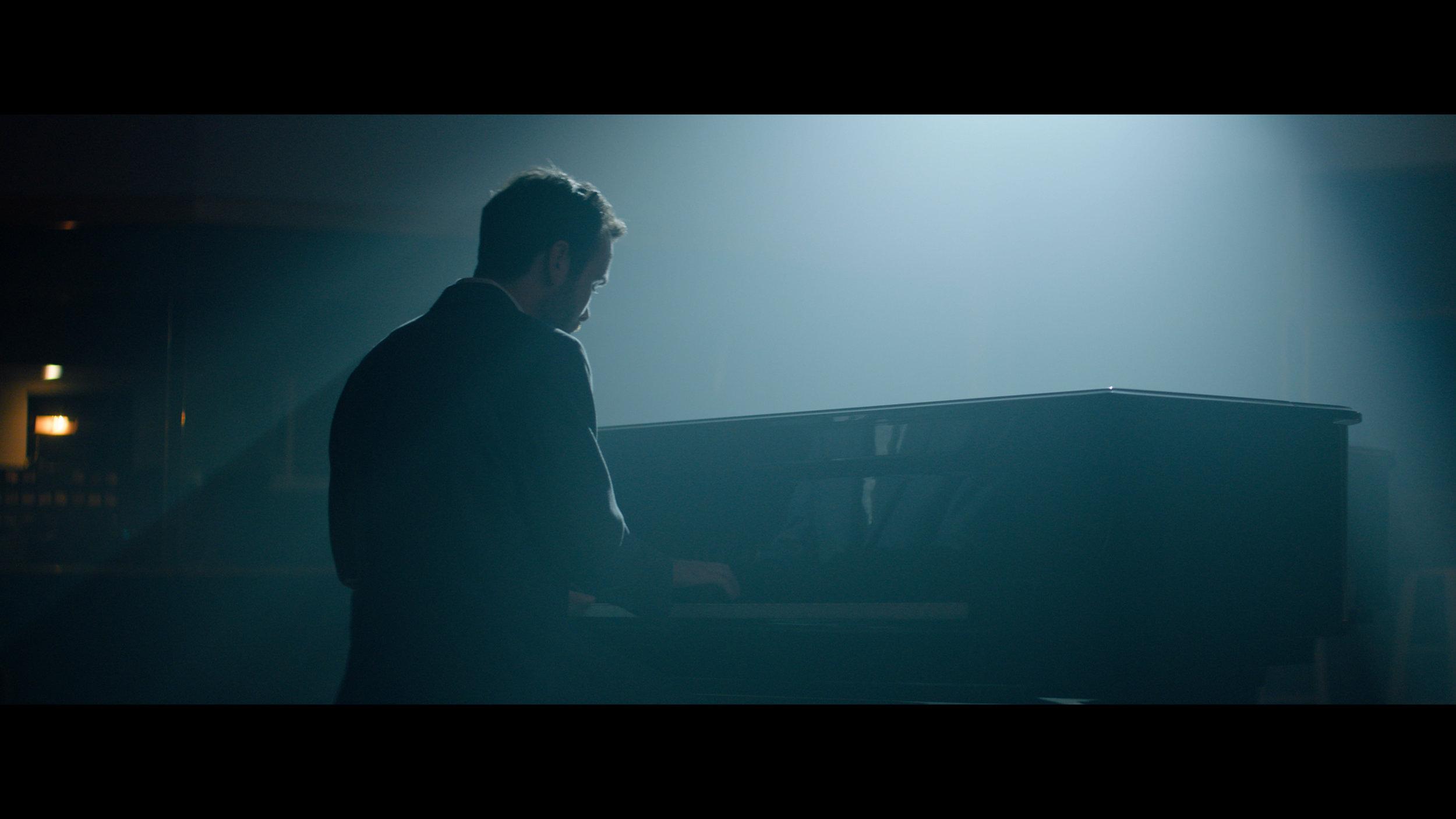 Alexa Mini Piano Jeff Color (Resolve).00_04_53_08.Still037.jpg
