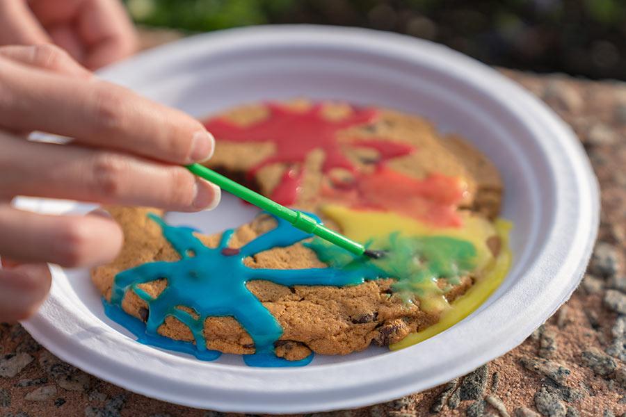 jumbo-artist-palette-cookie-Epcot-International-Festival-of-the-Arts-2018.jpg