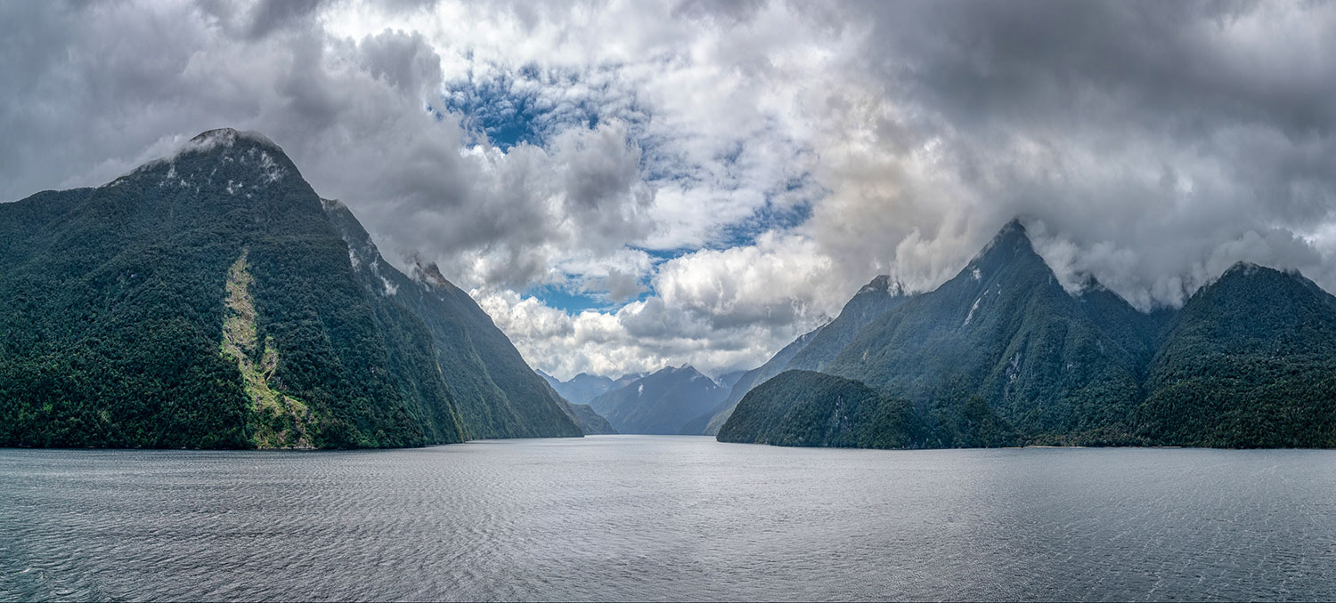 Milford Sound, Fiordland National Park in New Zealand