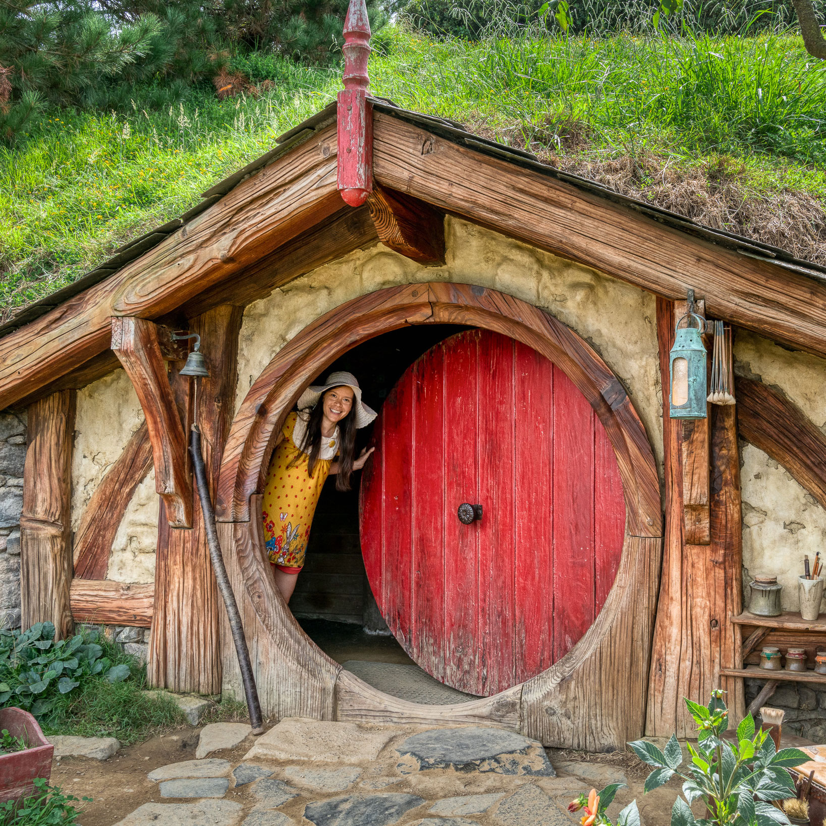 simple hobbit house drawing coloring pages