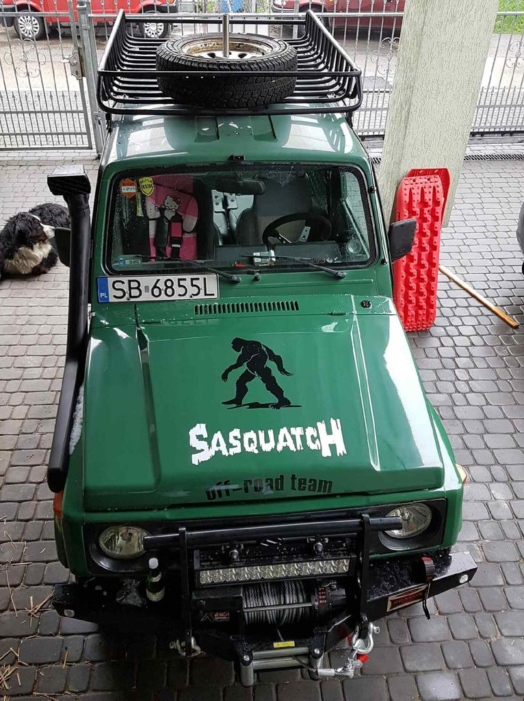 Sasquatch logo and installed roof rack