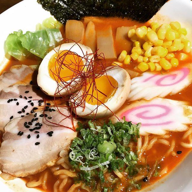 Spicy Miso 🍜 #umisushiroseville #ramen #spicymiso #roseville #sacramento #comfortfood #narutofishcake #sweetcorn #menma #chashu