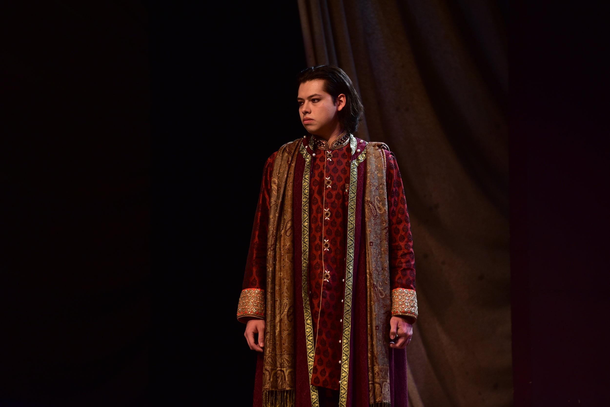 Juan Mares Castillo as Sebastian