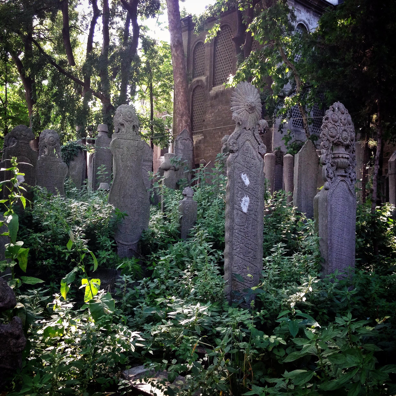 suleymaniye-graves.jpg