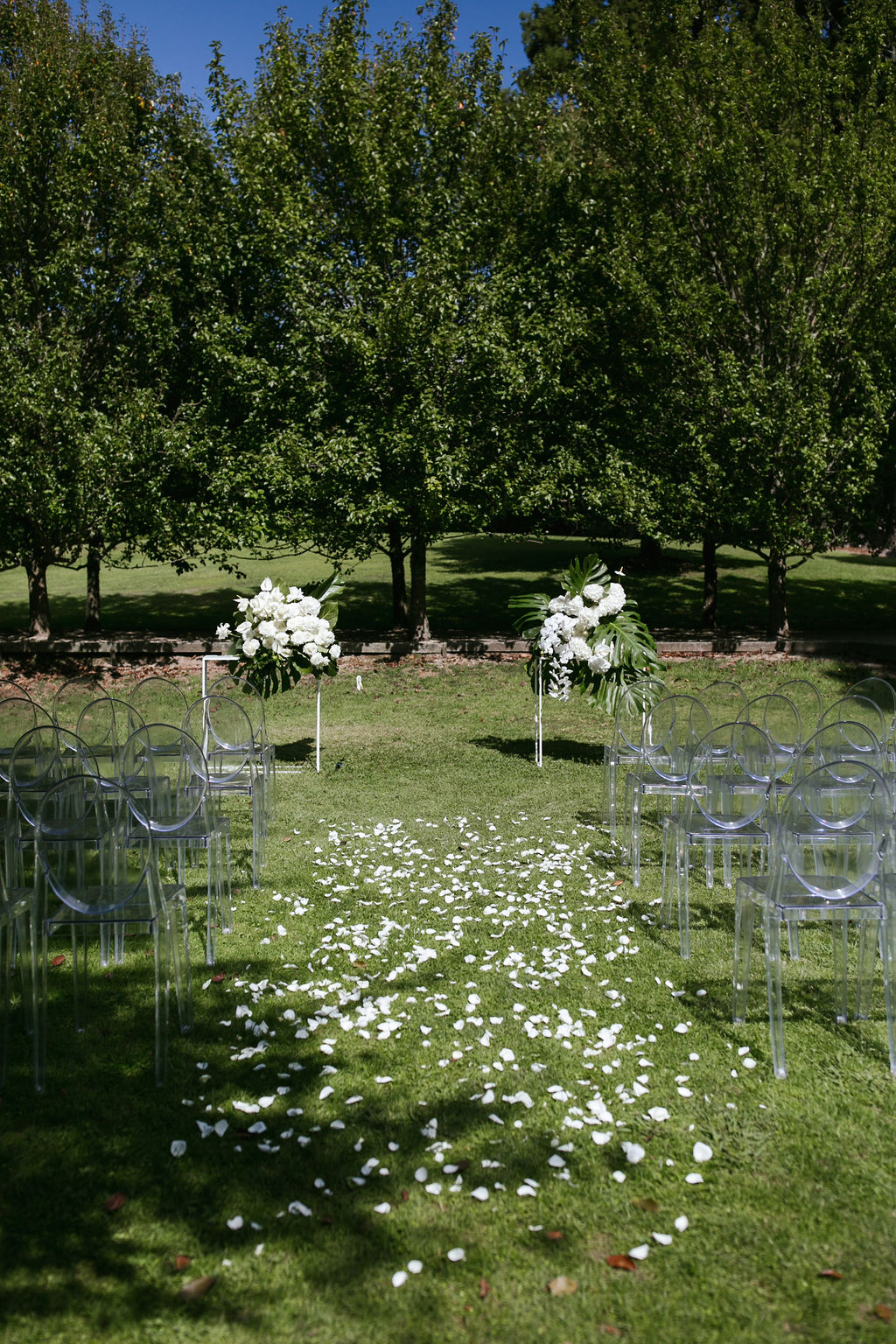 LL HIRE | CLEAR MARQUEE HIRE | FURNITURE HIRE