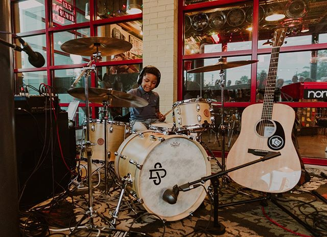 We have drum lesson slots available 🤘contact us today to grab a spot before they're gone! 📸 @aprilandpaul #makemusic #music #musiclessons #musicschool #music #groovehousemusic #hattiesburg #hubcity #mississippi