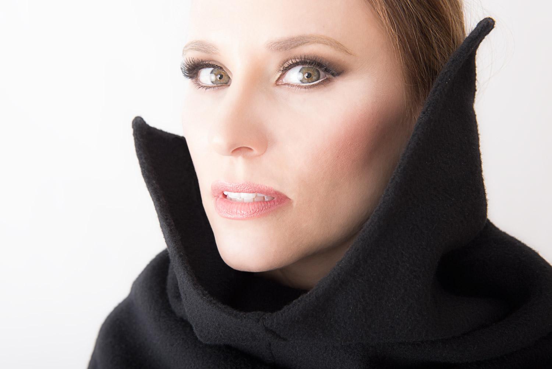 Cori-in-Black-Coat-Close-#2_DSC4006-1.jpg