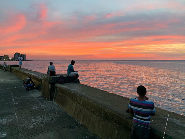 These #Malecon sunsets lately are 🔥🙌🏼🤩