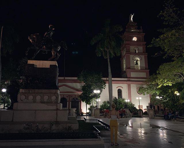 Colorful #Camagüey! A gem of east-central #Cuba, vibrant in #art, #architecture, and #tinajones! #claypots#cubatravel