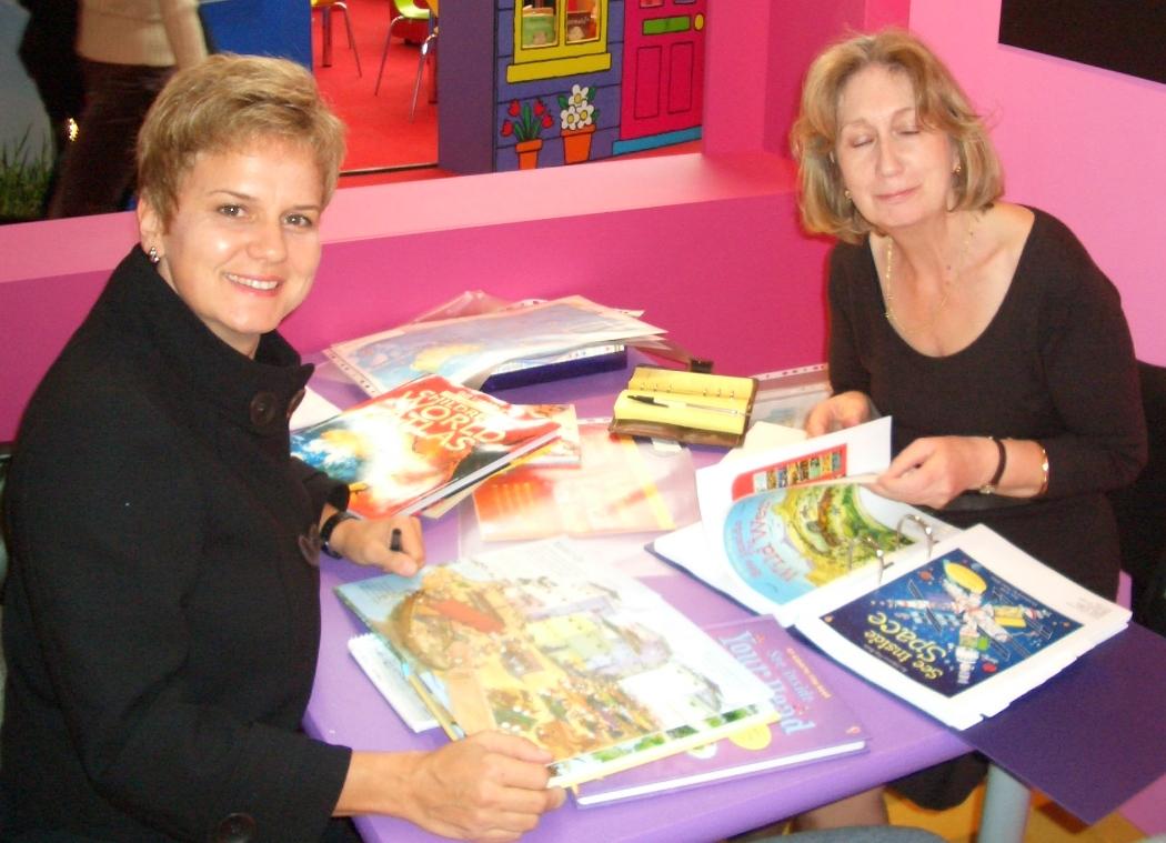Lizenzbesprechung auf der Kinderbuchmesse in Bologna