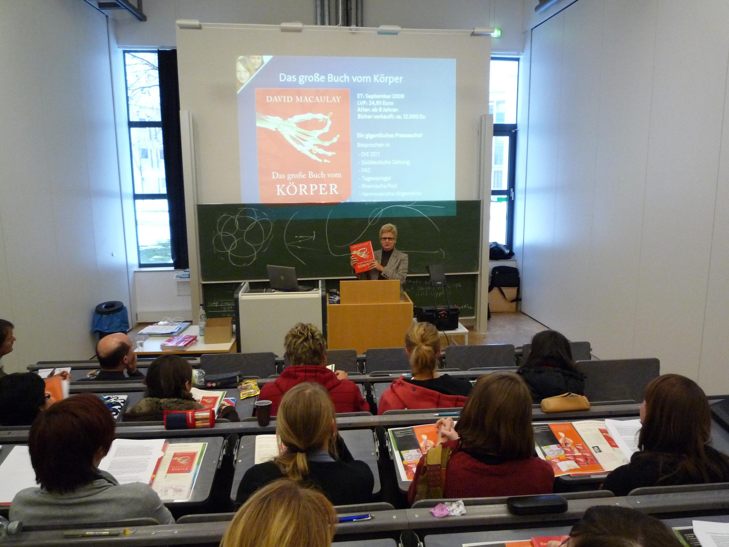 Referentin an der Medienhochschule Stuttgart zum Thema Digitalisierung von Kindersachbüchern